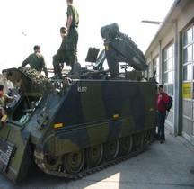 M 113 ARV M 579  Véhicule Blindé Léger Dépannage e