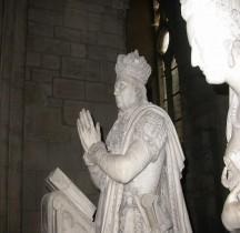 Seine St Denis St Denis Basilique 6.5.1 Louis XVI Statue