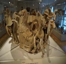 Grande Grèce Apulie Céramique Vase Funéaire Décors Combat Grecs Vs Gaulois New York Metropolitan
