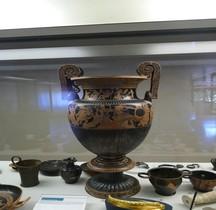 Etrurie Céramique Cratère Volutes Centaures Ferrare