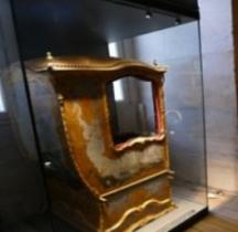 1720 Chaise Porteur Aux Marines Versailles Grandes Ecuries Musée des Carrosses