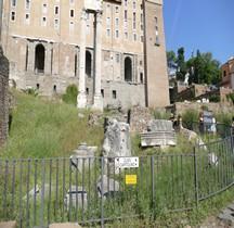 Rome Rione Campitelli Forum Romain Millarium Aureum