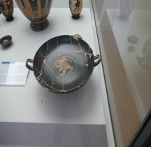 Grèce Attique Céramique Kilix  Hoplite Ferrare
