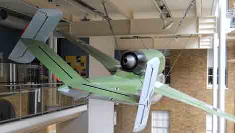 Heinkel He 162 A 1 Salamander Londres