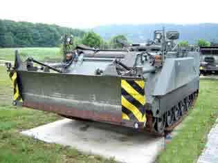 M113A1-B Dozer (Belgique Jambes )