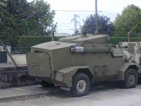 Panhard M 3 HOT (Saumur)