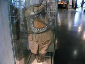 2°GM 1940 Baby's Gas Mask  Invalides