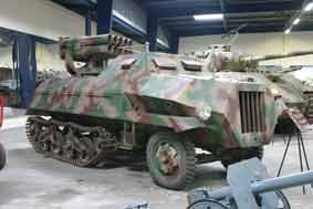 Semi Chenille LRM Panzerwerfer 42 Maultier Saumur