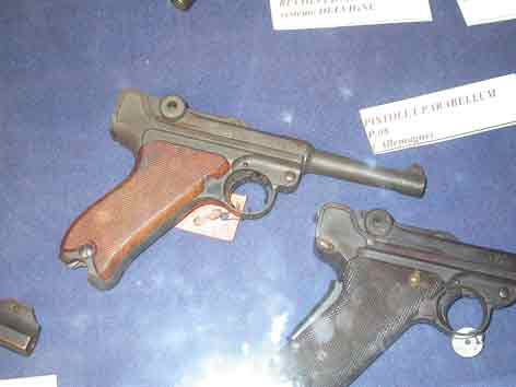 Pistolet Mauser P08