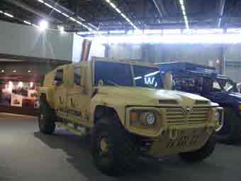 Navistar  MXT APC Saratoga Eurosatory 2012