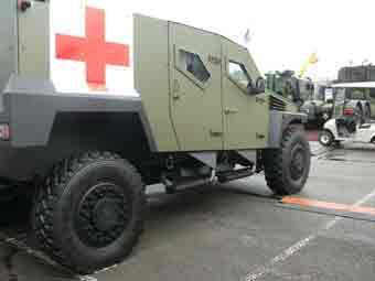 Panhard PVP HD Ambulance Eurosatory 2012
