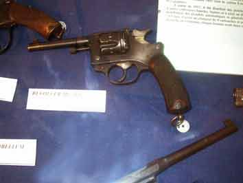 Revolver MAS Modèle 1892 8 mm