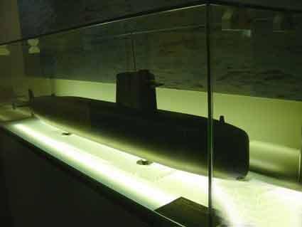 Sous marin SNA 601 Rubis (maquette Paris)