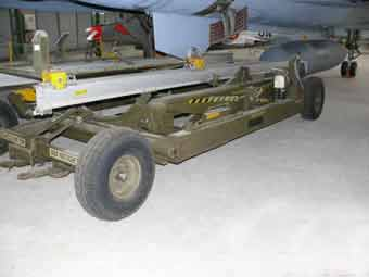 Saab Chariot Porte Bombes ( Montlimar )