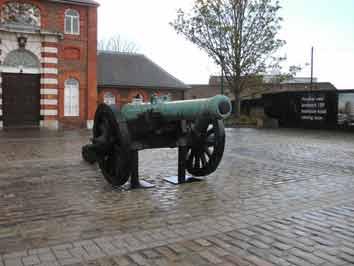Saxe 1773 Demi Canon Londres
