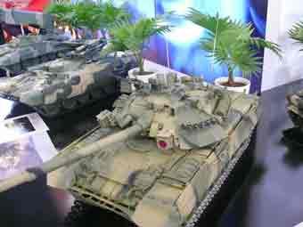 T 90 S Maquette Eurosatory 2012