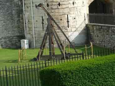 Militaria Moyen Age Trébuchet à Traction 1319 Londres