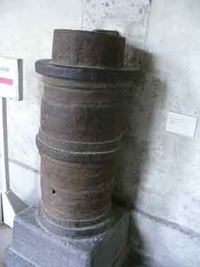 Miliaria Moyen age Veuglaire Boite à poudre 1422 Paris
