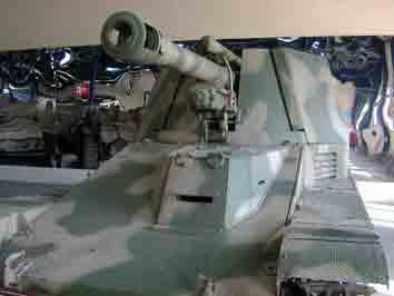 Automoteur Wespe SdKfz 124 Saumur